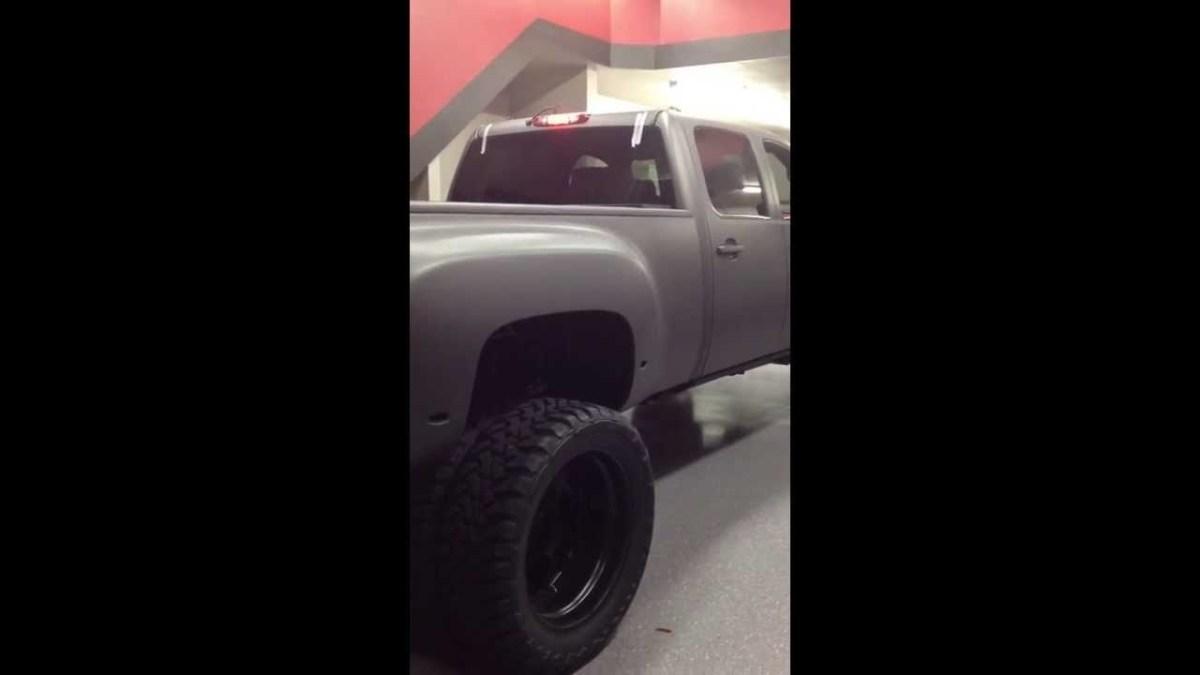 Lifted Chevy Silverado 3500 –BuyTrucks.ca